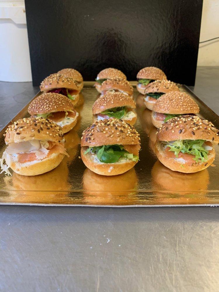 Mini burgers au saumon, montagnard ou pesto chèvre