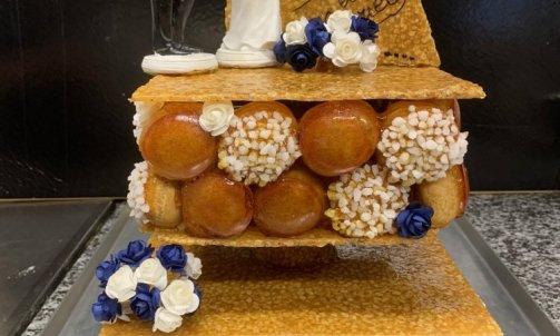 Pièce montée mariage - choux vanille, caramel, nougatine